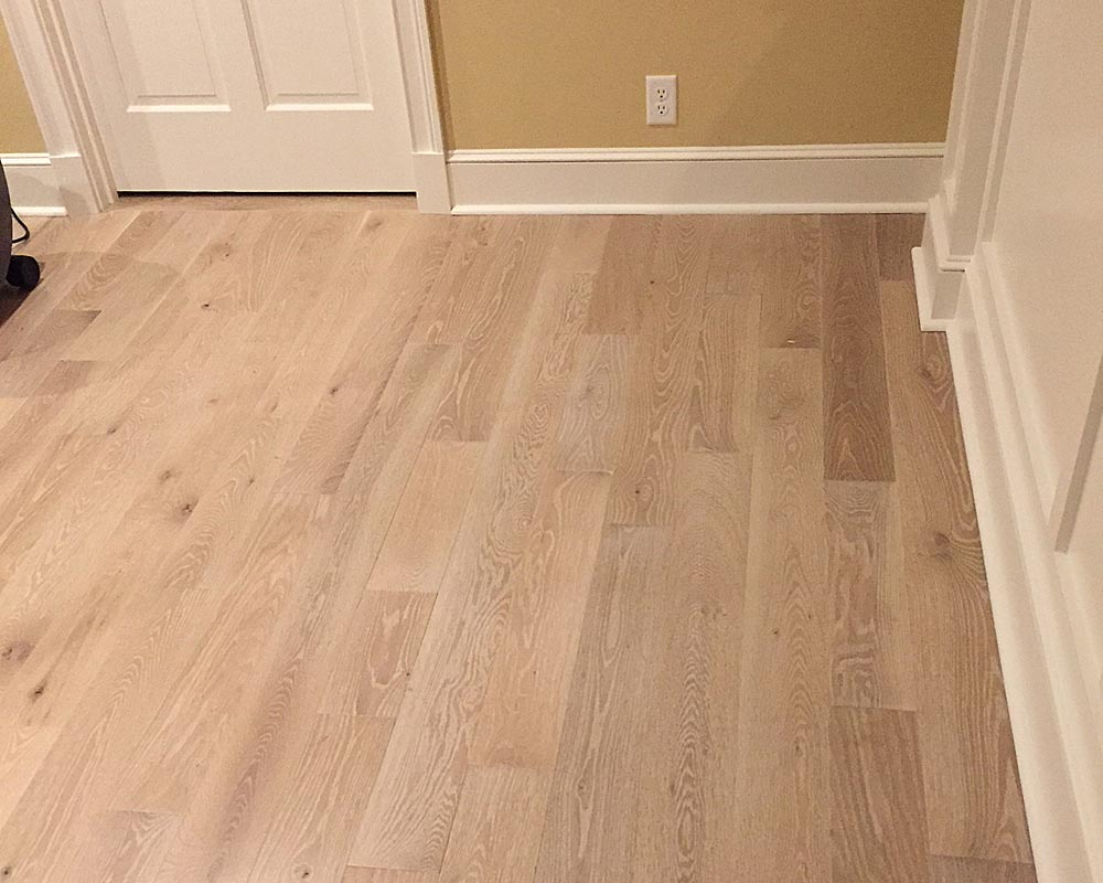 White Washed Engineered Wide Plank White Oak Plank